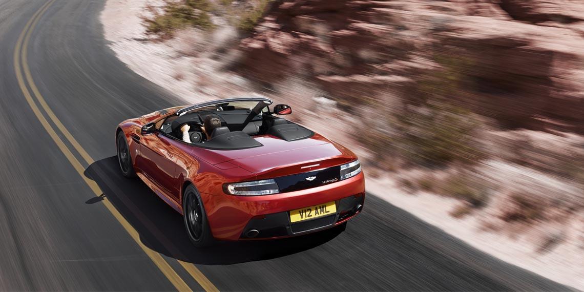 V12 Vantage S Roadster - 12
