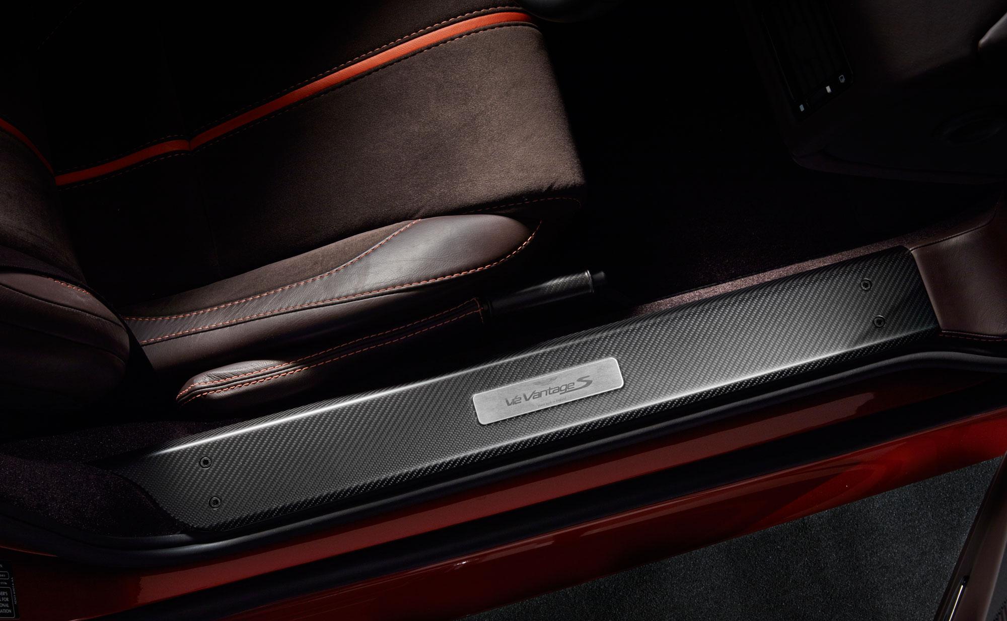 V8 Vantage Carbon Trim Pack Vehicle Accessories