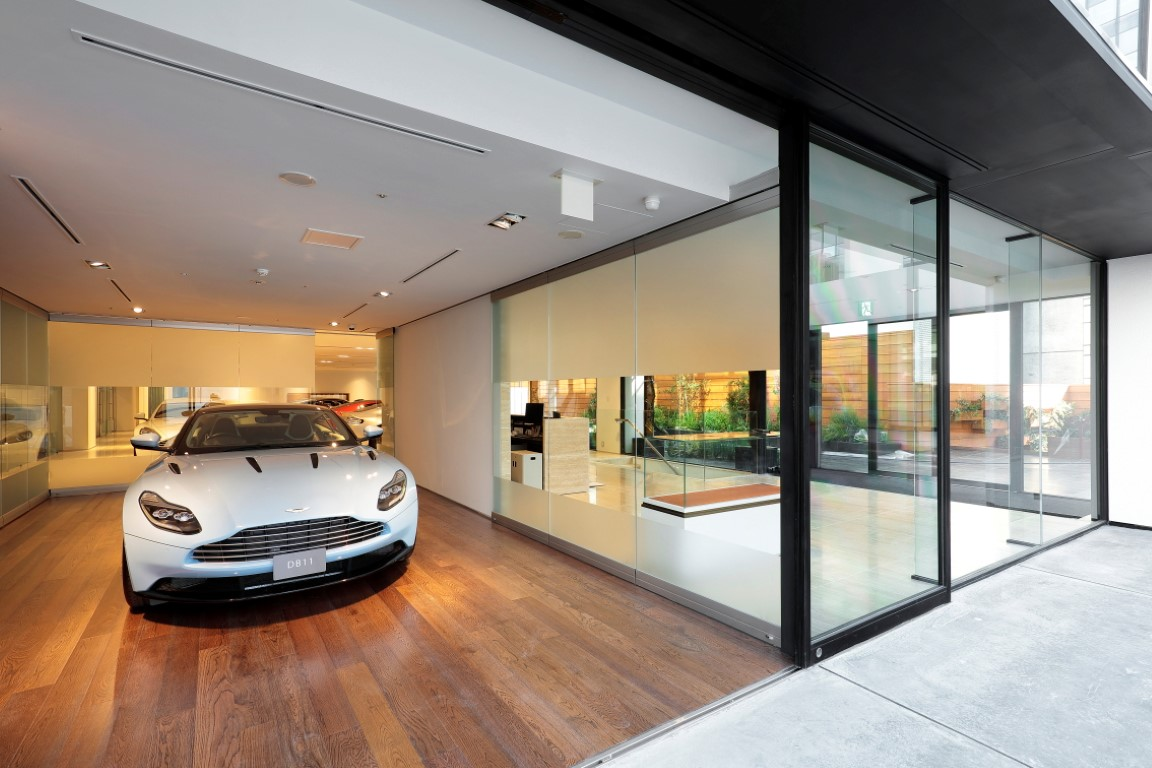World S Largest Aston Martin Dealership Opens In Tokyo